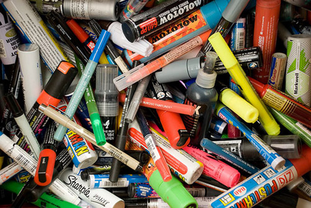 graffiti paint markers everything you need to know. Black Bedroom Furniture Sets. Home Design Ideas